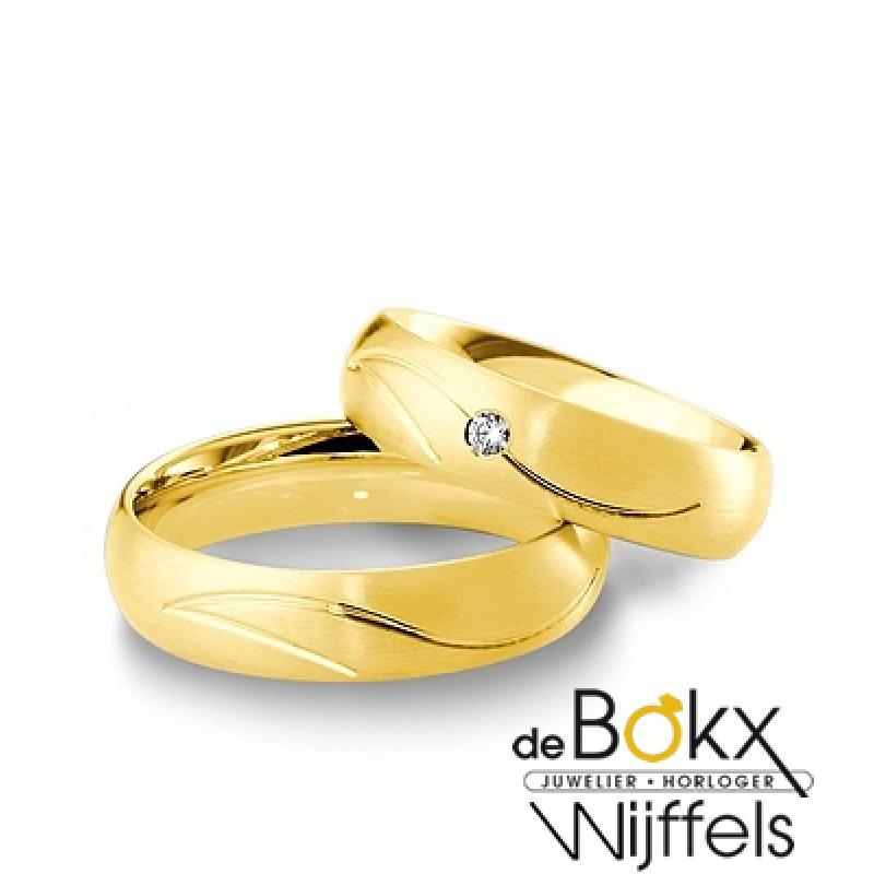 Breuning trouwringen geel goud 8 karaat met diaman...