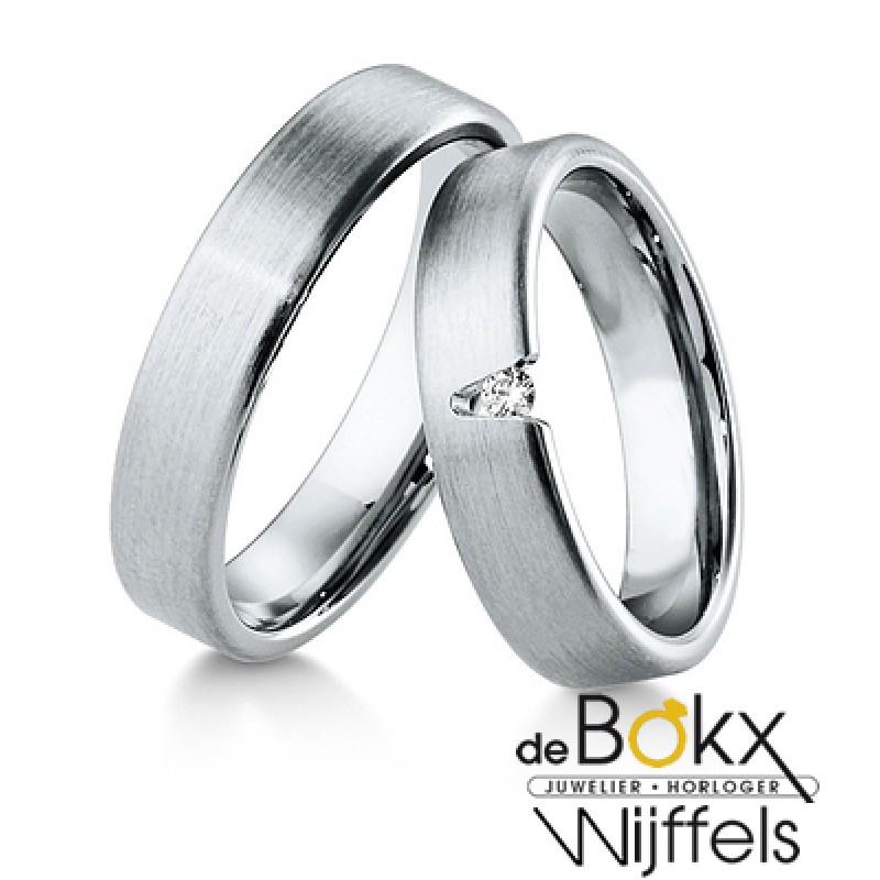 Breuning wit gouden trouwringen met diamant - 55413