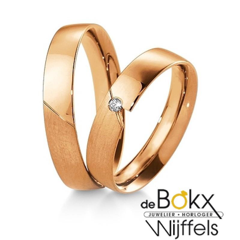 roodgouden trouwringen van Breuning met diamant - 55410