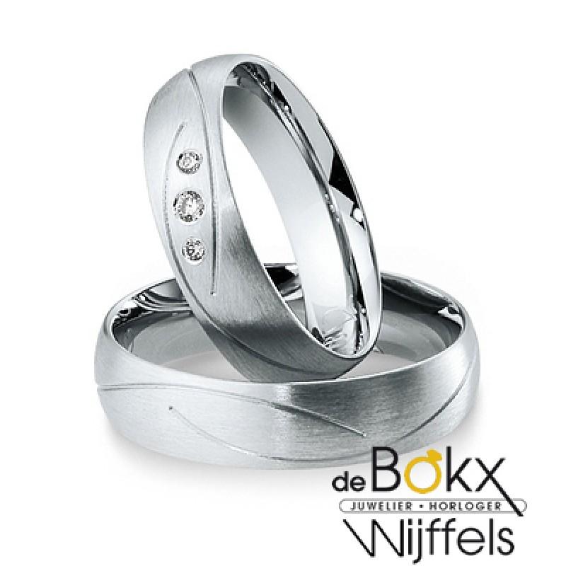 Breuning trouwringen met 3 diamanten in het wit goud - 55414