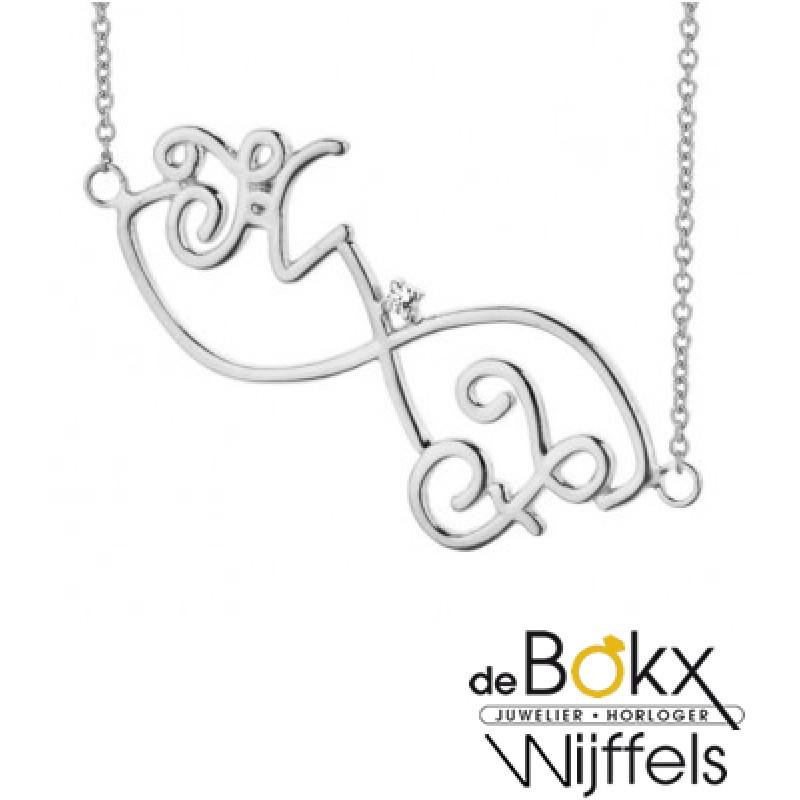 Infitnity ketting witgoud met 2 letters en diamant...