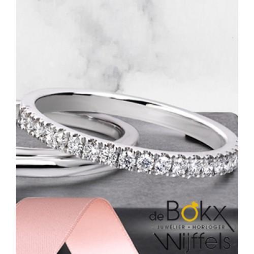 Actie: witgouden memoire ring met 0.26crt diamant - 56147